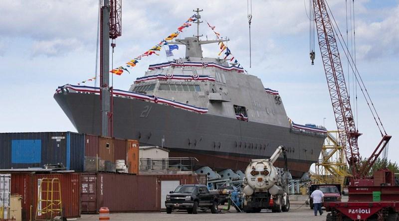 Lễ biên chế tàu tác chiến tác chiến ven bờ USS Minneapolis-St. Paul dự kiến diễn ra vào đầu năm nay, song bị hoãn lại sau khi các kỹ sư phát hiện lỗi trong hệ thống động lực của chiến hạm, hải quân Mỹ cho biết trong thông cáo ngày 1-2-2021. Hải quân Mỹ chưa cho biết thời điểm chiến hạm được biên chế sau khi sửa chữa.