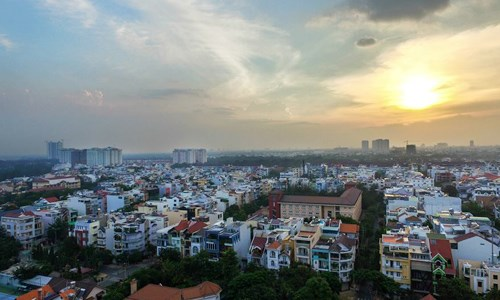 Nhà phố lẻ trong khu dân cư hiện hữu phía Nam TP. Hồ Chí Minh. Ảnh:Lucas Nguyễn
