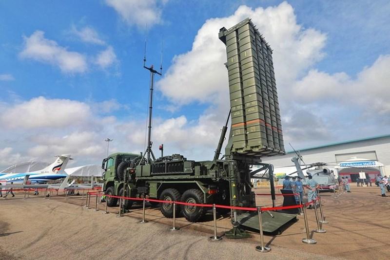 Hệ thống tên lửa đất đối không tầm trung Aster 30 của Không quân Singapore.