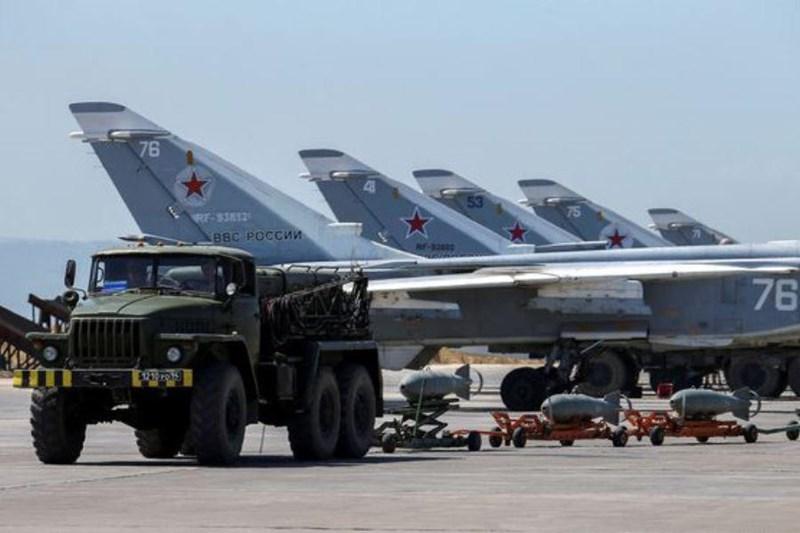 Điều đáng chú ý là, rất có thể các tên lửa đạn đạo đã được Tehran triển khai ở Syria, đặc biệt, chúng có thể đã được chuyển đến căn cứ không quân Khmeimim của Nga trong một loạt chuyến bay bí ẩn của máy bay chở hàng quân sự Iran, với mục đích tiếp tục chuyển vũ khí này đến các khu vực khác của Syria.