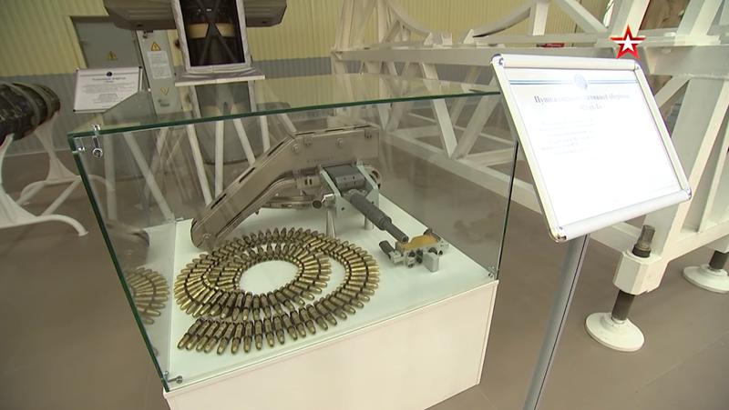 Các trạm Almaz được sử dụng cho mục đích hòa bình - đầu tiên được chuyển đổi thành trạm Mir, sau đó là Trạm vũ trụ quốc tế.