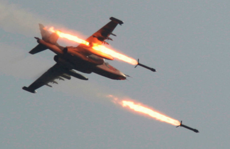 Cụ thể, máy bay ném bom tiền tuyến Su-24 của Nga và cường kích Su-22 của Syria đã tiến hành oanh tạc một trạm kiểm soát của quân đội Thổ Nhĩ Kỳ tại tỉnh Idlib.