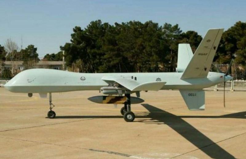Nguyên mẫu Kaman 22 được trưng bày với 6 giá treo dưới cánh, mang được 4 quả tên lửa dẫn đường và 2 quả bom không điều khiển, cùng một số vũ khí như phiên bản nội địa của bom dẫn đường laser GBU-12 Paveway và tổ hợp gây nhiễu AN/ALQ-101.