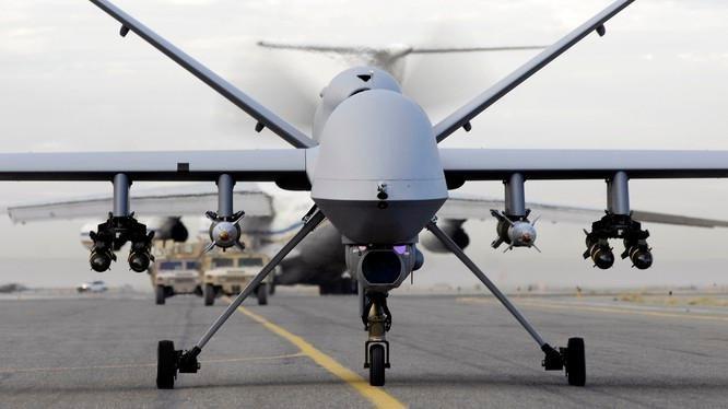 Tuy nhiên điều đáng chú ý là loại UAV của Iran có nhiều chi tiết về hình dáng gần như giống hệt với chiếc UAV chiến đấu nổi tiếng nhất hiện nay trên chiến trường là chiếc MQ-9 của Mỹ.