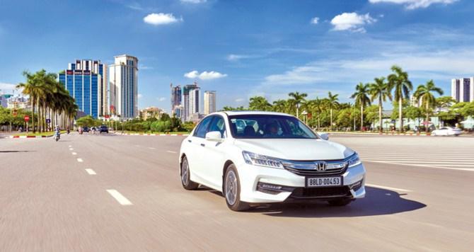 Thị trường ô tô: Đảo chiều xe nội - xe ngoại - Ảnh 1