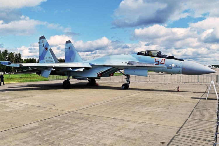 Trong quá trình sử dụng, Indonesia từng phàn nàn về việc tiêm kích Su-30MK2 của họ bị nứt khung cũng như gặp vô số lỗi kỹ thuật chỉ sau vài chục giờ sử dụng.