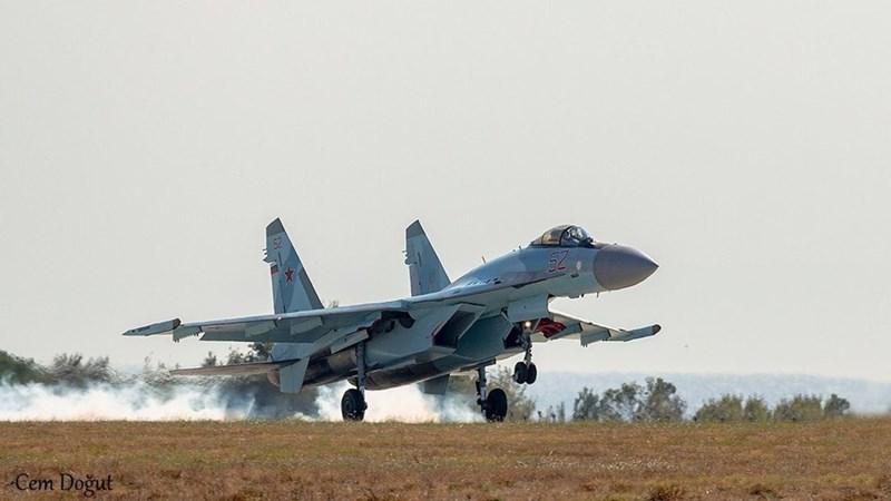 Indonesia là một trong những khách hàng lớn nhất của máy bay chiến đấu Nga tại khu vực Đông Nam Á, Jakarta đang vận hành phi đội hàng chục tiêm kích hạng nặng Su-27SK, Su-30MK và cả Su-30MK2.