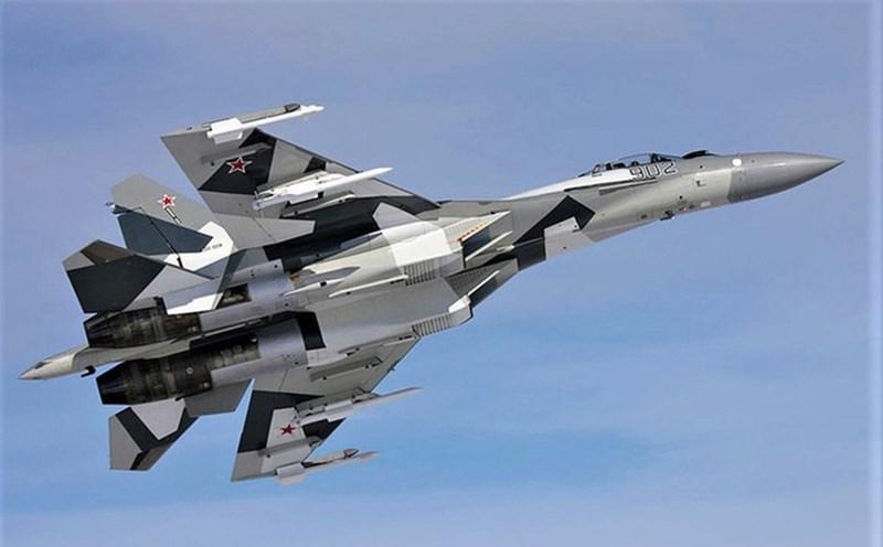 So sánh với ứng viên khác là tiêm kích F-16 Block 70/72 hay chiến đấu cơ tàng hình thế hệ 5 F-35 Lightning II thì Su-35 tỏ ra yếu thế hơn hẳn trong cả không chiến tầm xa lẫn tầm gần.