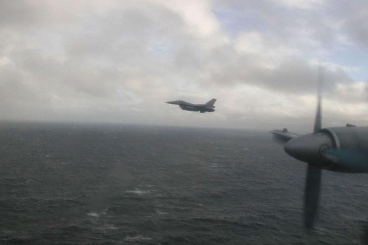 Cần lưu ý rằng vụ việc xảy ra ở khoảng cách rất xa so với biên giới Mỹ, cho nên các chuyên gia tin rằng máy bay Nga đã vô tình phát hiện ra một khu vực có tàu ngầm chiến lược của Mỹ đang hoạt động.