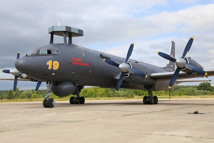 Máy bay được trang bị 4 động cơ cánh quạt AI-20M (công suất 4.250 mã lực mỗi chiếc) cho tốc độ tối đa 724 km/h, tầm hoạt động 9.500 km. Hiện nay Il-38N mới được sản xuất với số lượng hạn chế cho hải quân Nga và Ấn Độ.