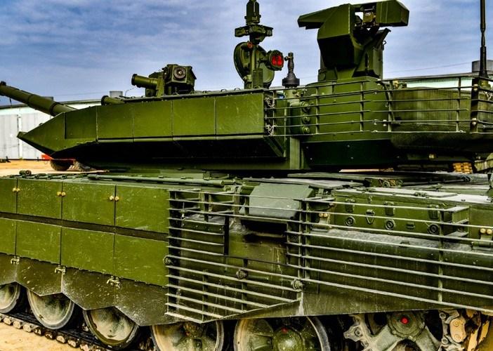 Bên cạnh T-90, trong biên chế của đơn vị còn có các phương tiện tác chiến hiện đại khác như xe thiết giáp chở quân BTR-80A, xe chiến đấu bộ binh BMP-3, pháo tự hành 2S19 Msta-S M2...