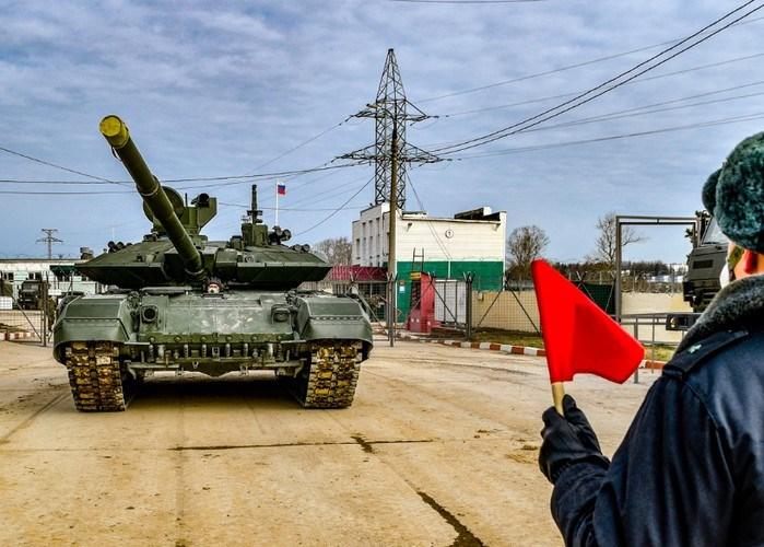 Sau này, Sư đoàn bộ binh cơ giới cận vệ số 2 Tamanskaya tiếp tục được trang bị những loại xe tăng hiện đại hơn như T-80 và bắt đầu biên chế xe tăng T-90 từ năm 2007.