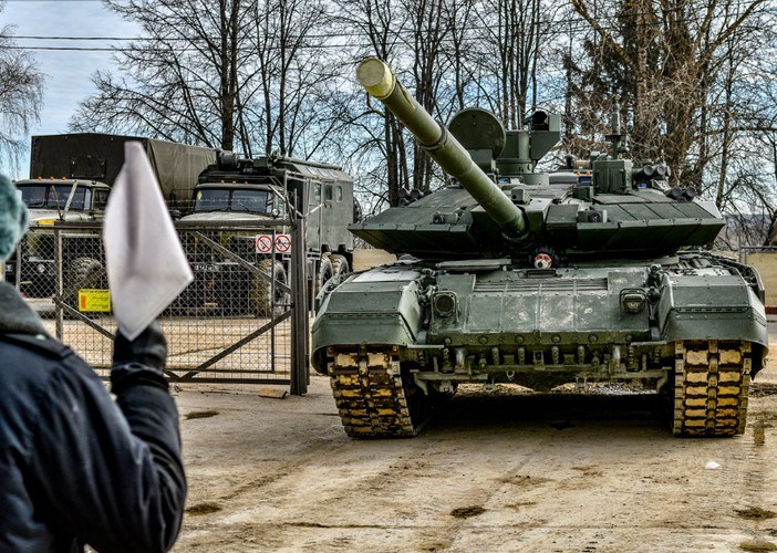 Sư đoàn Tamanskaya như đã nói là một đơn vị thiện chiến bậc nhất nên cũng được ưu tiên sử dụng những vũ khí hiện đại nhất mà quân đội Liên Xô trước đây và nay là Nga được trang bị.