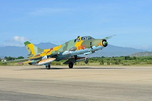 """Sức mạnh """"đôi cánh ma thuật"""" cường kích Su-22 của Việt Nam - Ảnh 16"""