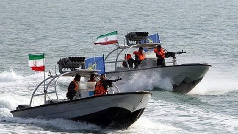 Phát biểu của ông Salami được đưa ra chỉ một ngày sau khi Tổng thống Donald Trump ra lệnh cho hải quân Mỹ bắn hạ các xuồng cao tốc của Iran nếu chúng