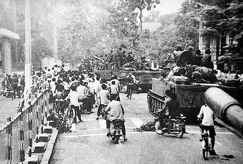 Sáng 30/4, quân đội ta đã đánh chiếm Cầu Thị Nghè