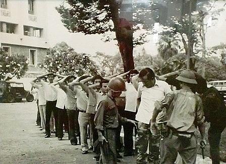Tước vũ khí của quân đội Sài Gòn