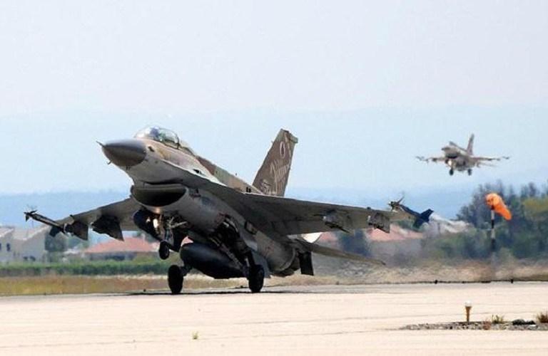 Bộ Quốc Phòng Israel chưa bình luận về cuộc không kích vào lãnh thổ Syria, trong khi phía Nga cũng đang giữ thái độ im lặng trước vấn đề trên, dẫn tới nhận định rằng giữa Tel Aviv và Moskva đã có thỏa thuận về hành động quân sự này.