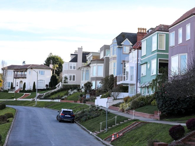 Những con phố ở Sea Cliff được ví như một bảo tàng siêu thực với nhiều căn nhà xa xỉ.