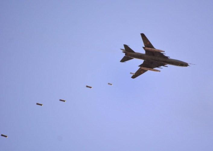 Tải trọng tối đa của Su-22 chỉ ở mức 4 tấn vũ khí trong khi phiên bản F/A-18C/D đã mang tới 7 tấn, thậm chí ở phiên bản F/A-18E/F có thể mang tới hơn 8 tấn vũ khí, gấp đôi so với Su-24.