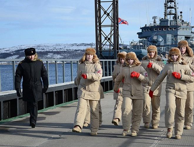 [Ảnh] Hải quân Mỹ đưa tàu chiến vào Biển Barents lần đầu tiên sau 3 thập niên - Ảnh 6