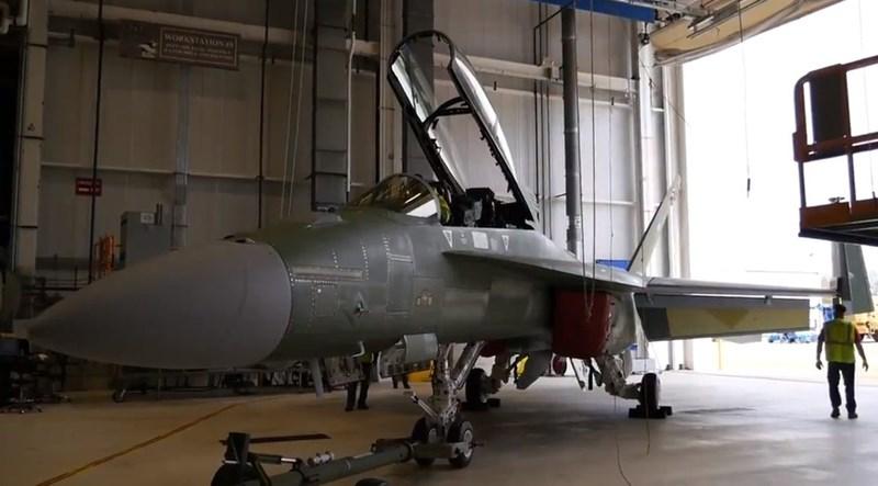 Theo những tiết lộ của nhà sản xuất, các nâng cấp bao gồm thay thế máy tính điều khiển hỏa lực mới hơn và hệ thống liên lạc mạnh hơn sẽ giúp tăng sức chiến đấu của phiên bản F/A-18 Block III Super Hornet