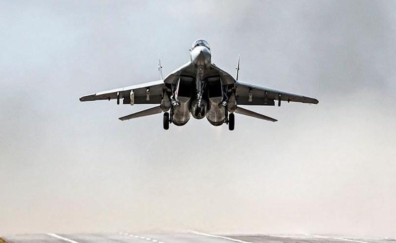 Nhiệm vụ của MiG-29 Syria trong suốt thời gian vừa qua chỉ mang tính bay trình diễn thị uy là chính, thi thoảng chúng mới tấn công phiến quân nhưng lại chủ yếu dùng pháo và bom không điều khiển.
