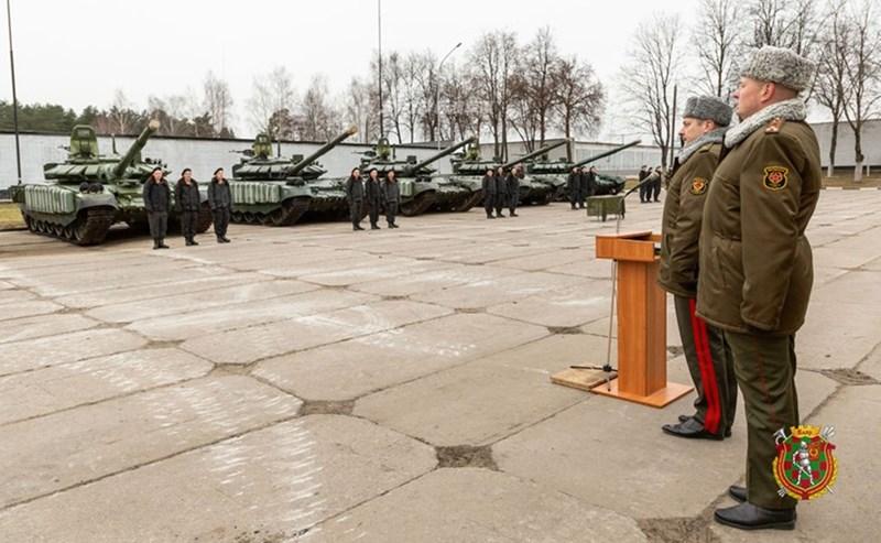 Được biết, Tập đoàn UralVagonZavod của Nga có trụ sở tại Nizhny Tagil đang thực hiện công việc hiện đại hóa các xe tăng T-72B của Belarus lên chuẩn T-72B3.