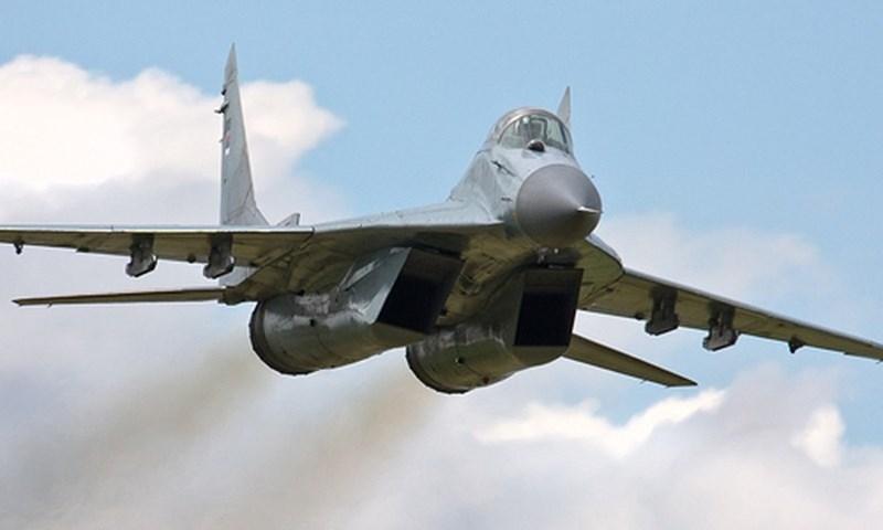 Mặt khác do thời cuộc nên các phi công MiG-29 Syria không có nhiều giờ bay huấn luyện để có thể thành thục trong chiến đấu như phi công Israel và Thổ Nhĩ Kỳ, vì vậy nếu đối đầu gần như cầm chắc phần thất bại.