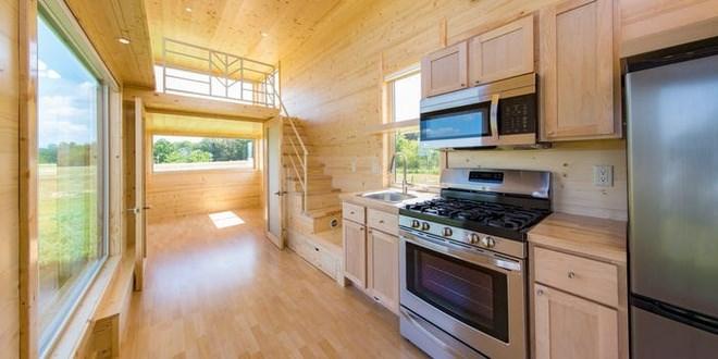 Ngôi nhà được cách nhiệt bằng bọt xốp kín. Nhưng để điều chỉnh nhiệt độ bổ sung, có thể bổ sung thêm quạt trần, điều hòa hoặc lò sưởi. Ảnh: Escape Homes.