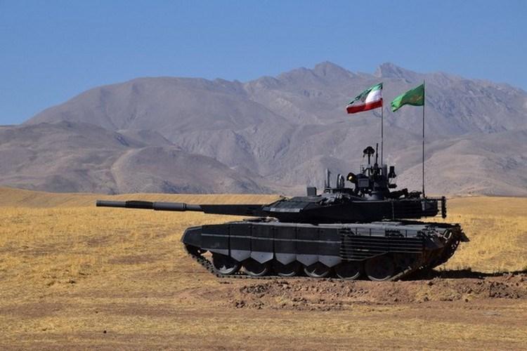 Hiện tại xe tăng Karrar đã bắt đầu bước vào giai đoạn sản xuất hàng loạt, rõ ràng trước sự tự tin của Iran đối với phương tiện tác chiến này thì ngân sách quốc phòng sẽ dành ưu tiên cho những lĩnh vực mà họ còn đang yếu.