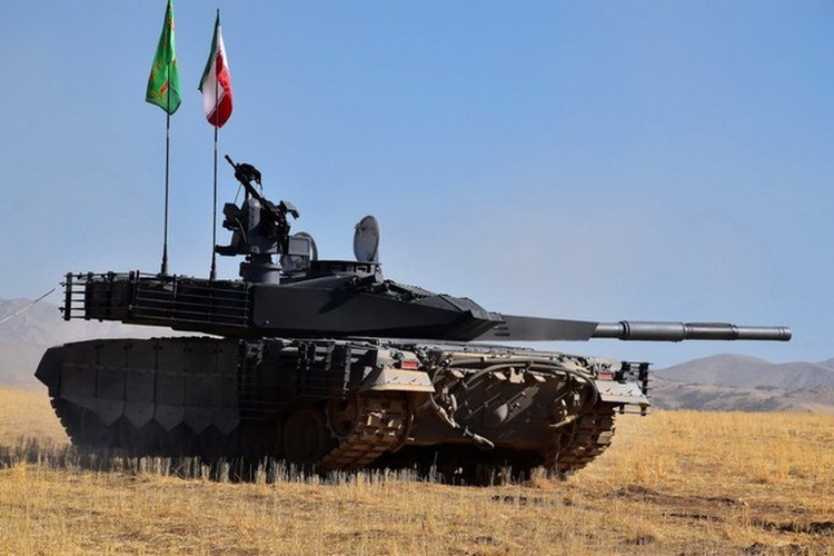 Thậm chí nếu xét trên khía cạnh thẩm mỹ thì xe tăng Karrar của Iran còn sở hữu vẻ ngoài trông bắt mắt và đáng sợ hơn nhiều so với T-90MS của Nga.