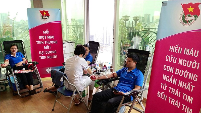 """chương trình hiến máu tình nguyện """"Bảo Việt - Vì hạnh phúc Việt"""" đã đóng góp được 2.400 đơn vị máu"""