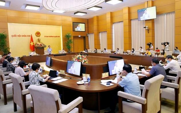 Chủ tịch Quốc hội đề nghị Chính phủ sớm tổng kết, đánh giá các gói hỗ trợ đối tượng ảnh hưởng bởi COVID -19. Ảnh: Đ.X
