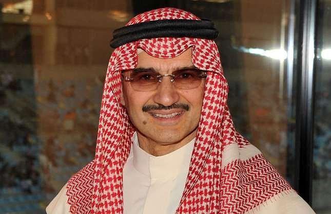 Hoàng tử Alwaleed, người bị bắt năm ngoái vì tội tham nhũng, là thành viên giàu có nhất trong gia đình với tài sản ròng ước tính là 18,7 tỷ đô la Mỹ. Hoàng tử, đã được trả tự do vào tháng 1 sau khi bị giam giữ vài tháng sau khi trả cho chính quyền 6 tỷ USD để tại ngoại.