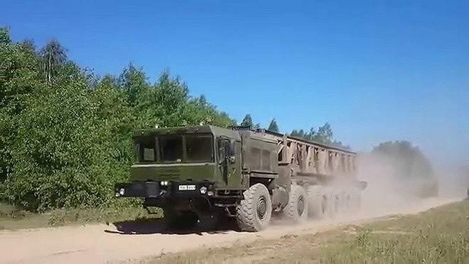 Mặc dù ông Druzin rất tự tin về vũ khí mới của doanh nghiệp mình, tuy nhiên mới đây chuyên gia quân sự nổi tiếng của Nga, ông Andrei Frolov trong cuộc trả lời phỏng vấn báo Izvestia lại cho rằng năng lực thực tế của S-500 không giống như quảng cáo.