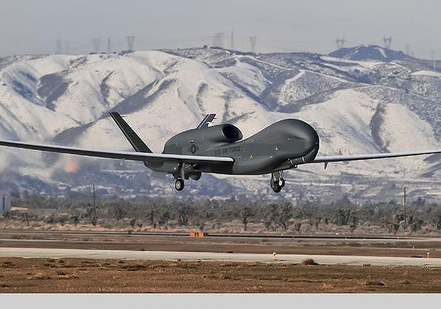 Trước khi chiếc RQ-4A này nhận biết rằng đường bay của nó bị ảnh hưởng và chuẩn bị lấy lại cự ly chuẩn thì Iran đã nhanh chóng bắn hạ nó để làm bằng chứng tố cáo Mỹ.