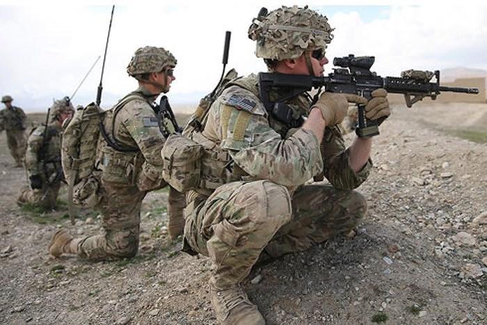 Trong cuộc chiến tại Syria, Mỹ là bên không tham chiến trực tiếp nhưng có sự hỗ trợ to lớn đối với Các lực lượng dân chủ Syria (SDF), khi giúp họ kiểm soát cả một vùng lãnh thổ rộng lớn phía Đông Bắc.