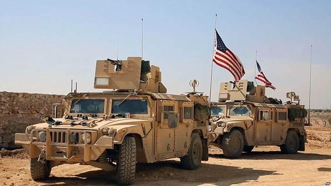 Hiện tại quân đội Mỹ đang tiến hành rút quân khỏi Syria vì theo như lời của Tổng thống Donald Trump thì cuộc chiến chống IS tại Syria đã đi đến thắng lợi hoàn toàn.