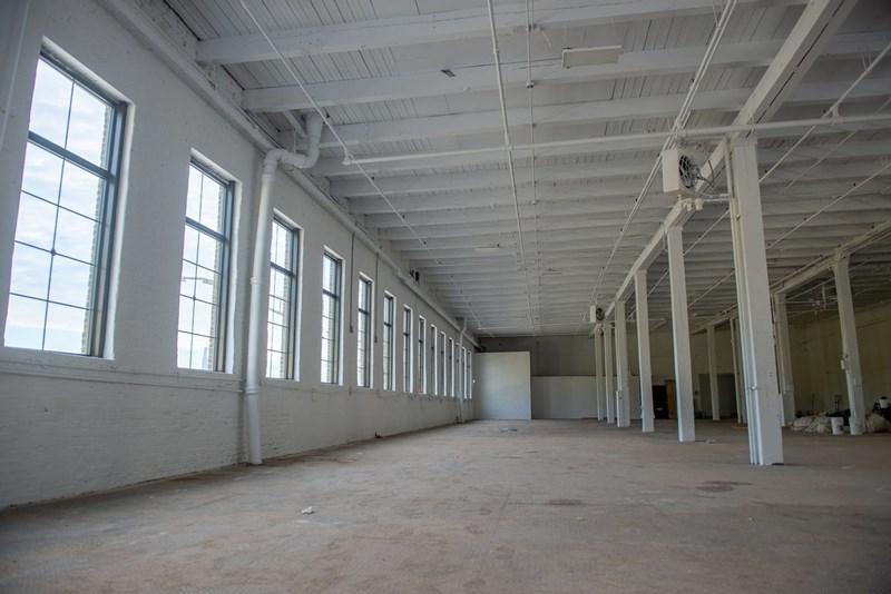 Số doanh nghiệp tạm ngừng hoạt động trong 6 tháng đầu năm 2021 tăng cao do đại dịch cũng tác động tiêu cực đến tỷ lệ lấp đầy nhà xưởng xây sẵn. Ảnh minh họa
