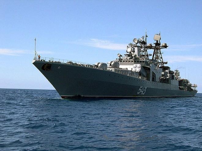 Khu trục hạm săn ngầm Udaloy của hải quân Nga được đóng vào thời kỳ Liên bang Xô Viết, lớp chiến hạm này có chiều dài 163 m, chiều rộng 19,3 m, lượng giãn nước 7.570 tấn (đầy tải), tốc độ tối đa 35 hải lý/h, tầm hoạt động 19.400 km.