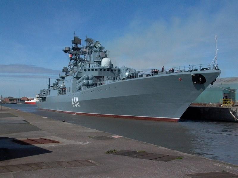 Bên cạnh đó tàu còn được nâng cấp thiết bị định vị thủy âm, hệ thống điện tử, thông tin liên lạc cũng như vũ khí phòng không, dự kiến sẽ là loại Shtil-1 hoặc Redut.
