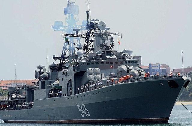 Bên cạnh tên lửa chống ngầm tầm xa RPK-3 Metel, trong cự ly 10 km trở lại, khu trục hạm lớp Udaloy được bổ sung thêm hệ thống rocket săn ngầm RBU-6000 và ngư lôi cỡ 533 mm.