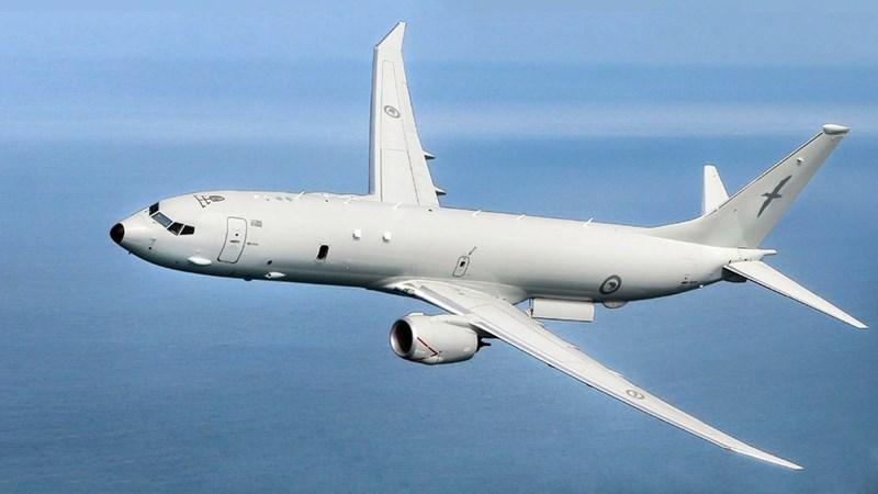 Được phát triển trên cơ sở khung thân của máy bay Boeing 737-800, P-8A Poseidon có thể chở theo 34 tấn nhiên liệu và bay liên tục nhiều giờ.