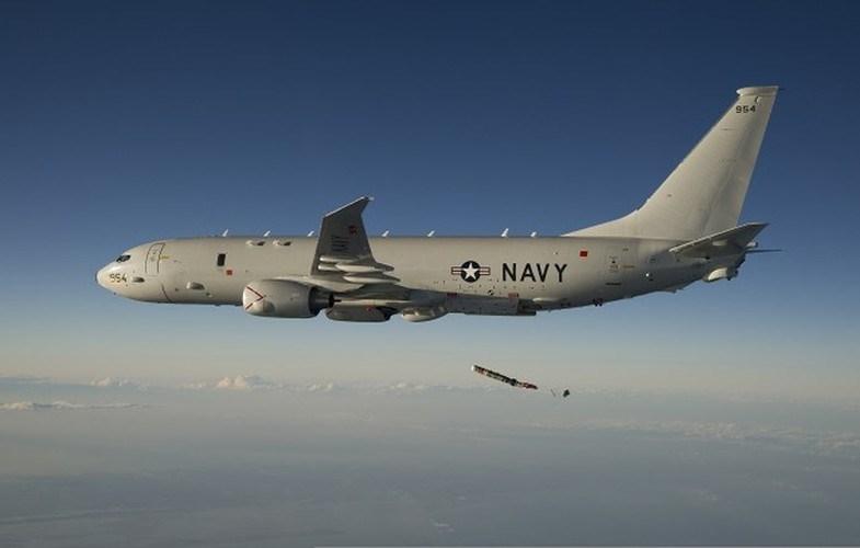 P-8A được trang bị 2 động cơ phản lực hiệu suất cao CFM56-7B. Động cơ có hệ thống kiểm soát nhiên liệu kỹ thuật số cho phép tăng sức mạnh và tiết kiệm nhiên liệu.