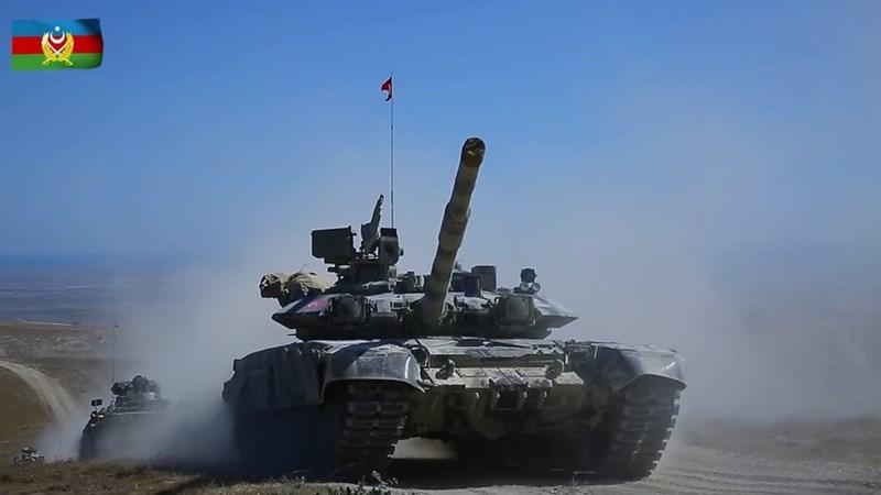 Ankara đã đưa binh sĩ, máy bay không người lái Bayraktar TB2, tiêm kích F-16 và thậm chí cả những tay súng từ Afrin tới điểm nóng để sẵn sàng tham chiến cùng quân đội Azerbaijan.