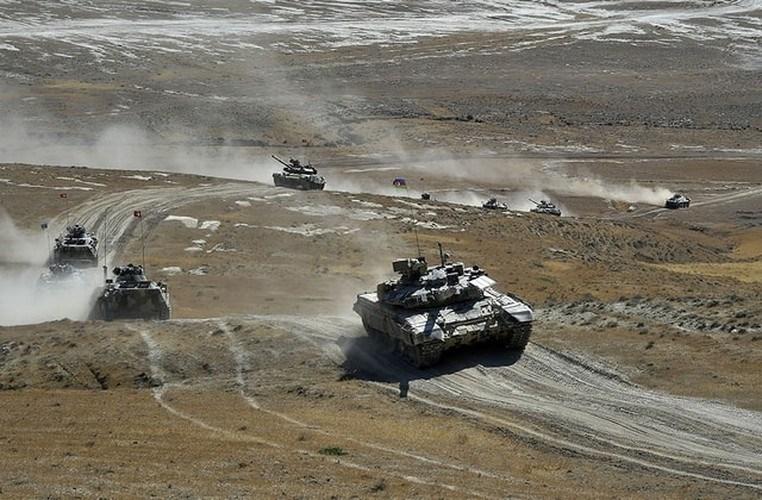 Đặc biệt, binh sĩ Thổ Nhĩ Kỳ có thể tiếp cận và tìm hiểu sâu hơn tính năng kỹ chiến thuật của xe tăng chiến đấu chủ lực T-90 tối tân do Nga chế tạo.