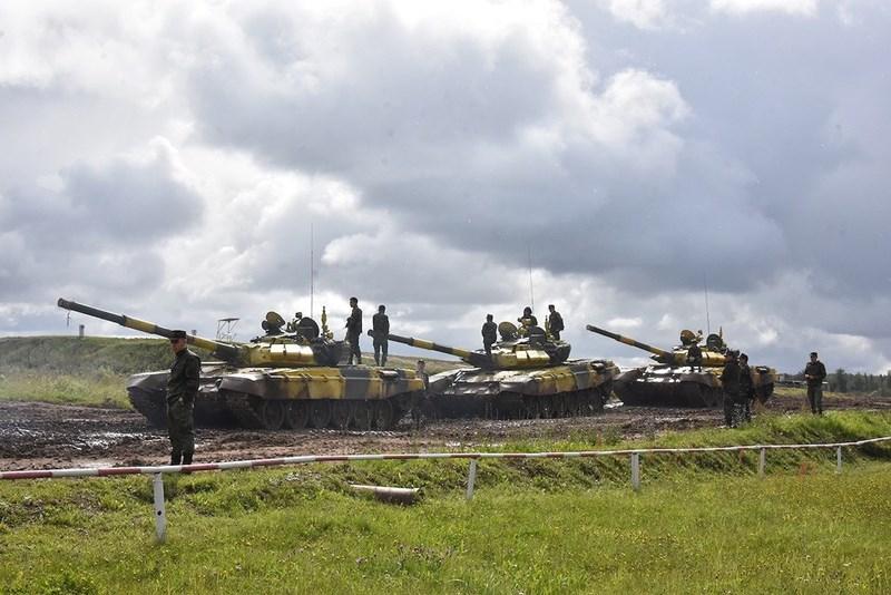 Tại giải đấu Tank Biathlon 2019, đội tuyển thể thao quân sự Việt Nam vẫn sử dụng xe tăng chiến đấu chủ lực T-72B3 mang màu sơn vàng do nước chủ nhà Nga cung cấp tương tự như năm 2018.