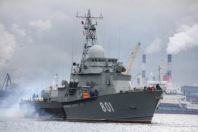 Ngoài ra hệ thống điện tử của tàu cũng được nâng cấp với các thiết bị kỹ thuật số mang bộ vi xử lý tốc độ cao, đi kèm thiết bị định vị vệ tinh và thông tin liên lạc tiên tiến hơn.