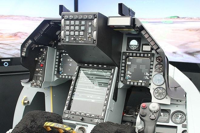 Chính quyền cựu tổng thống Barack Obama từng hủy hợp đồng bán 66 chiếc F-16C/D Block 50 cho Đài Bắc vào năm 2011 do áp lực từ Bắc Kinh.